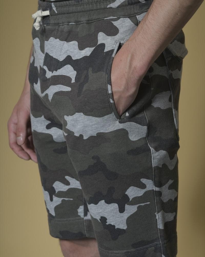 Short en coton à imprimé camouflage Soho