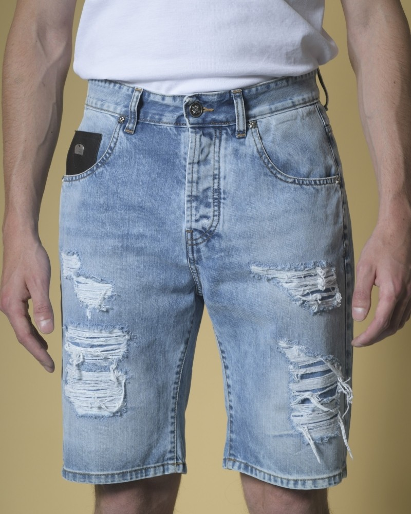 Short jean effet vieilli et...
