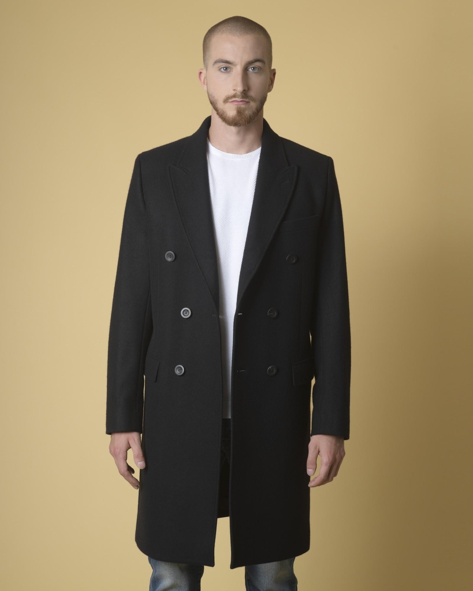 Manteau cintré en laine...