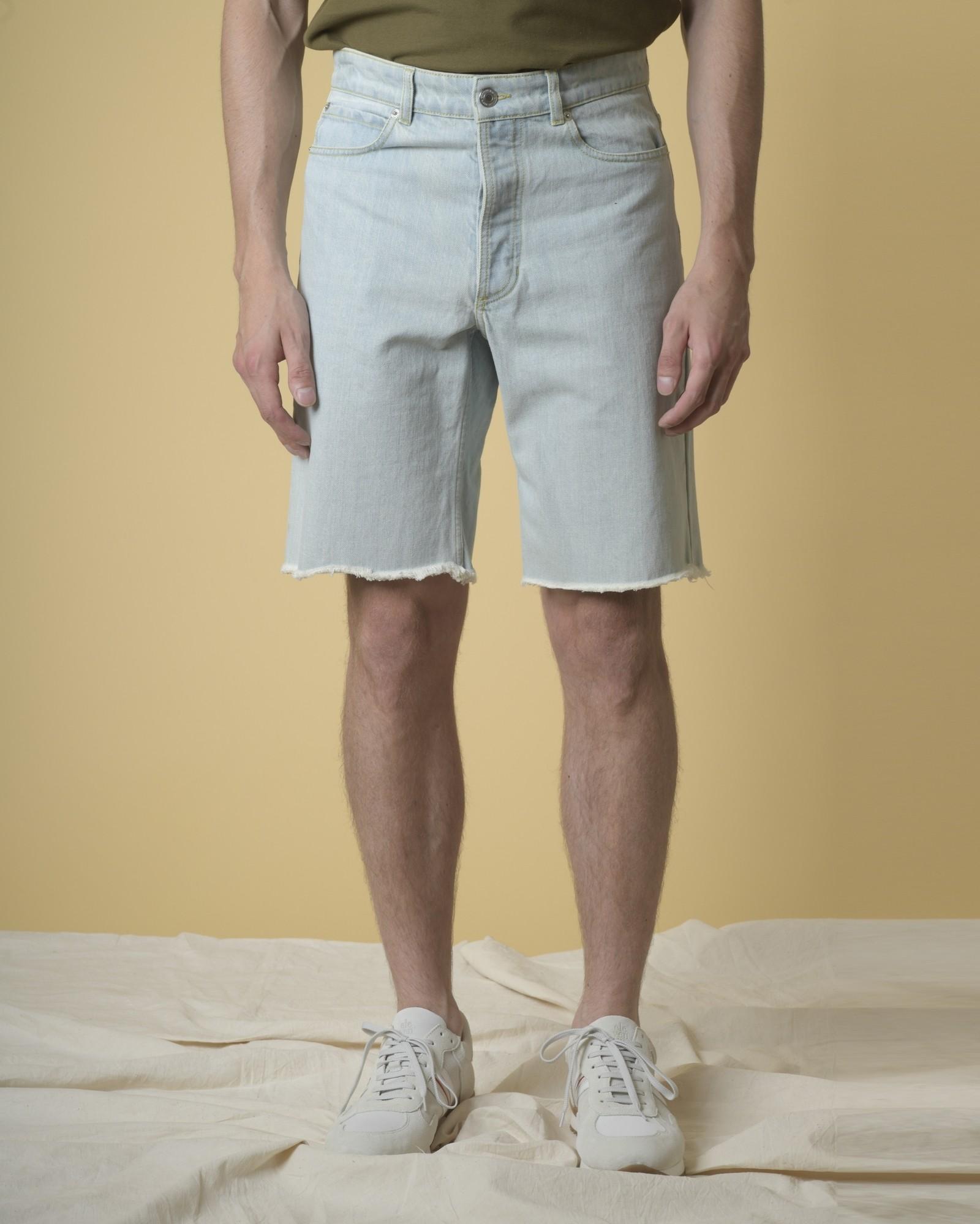 Short en jean à ourlets effilés Editions M.R
