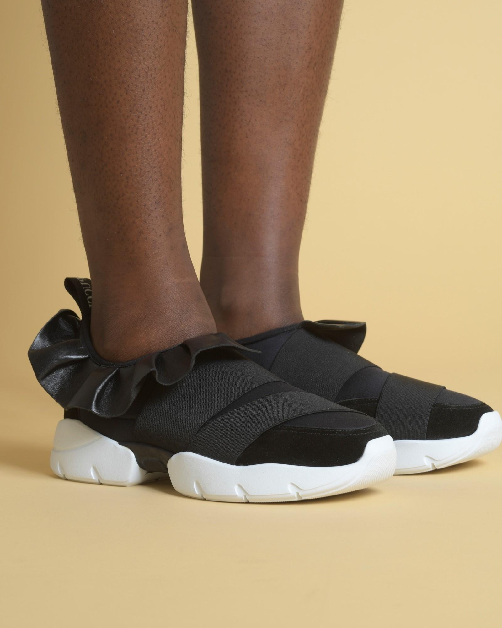 Baskets en cuir noir à...