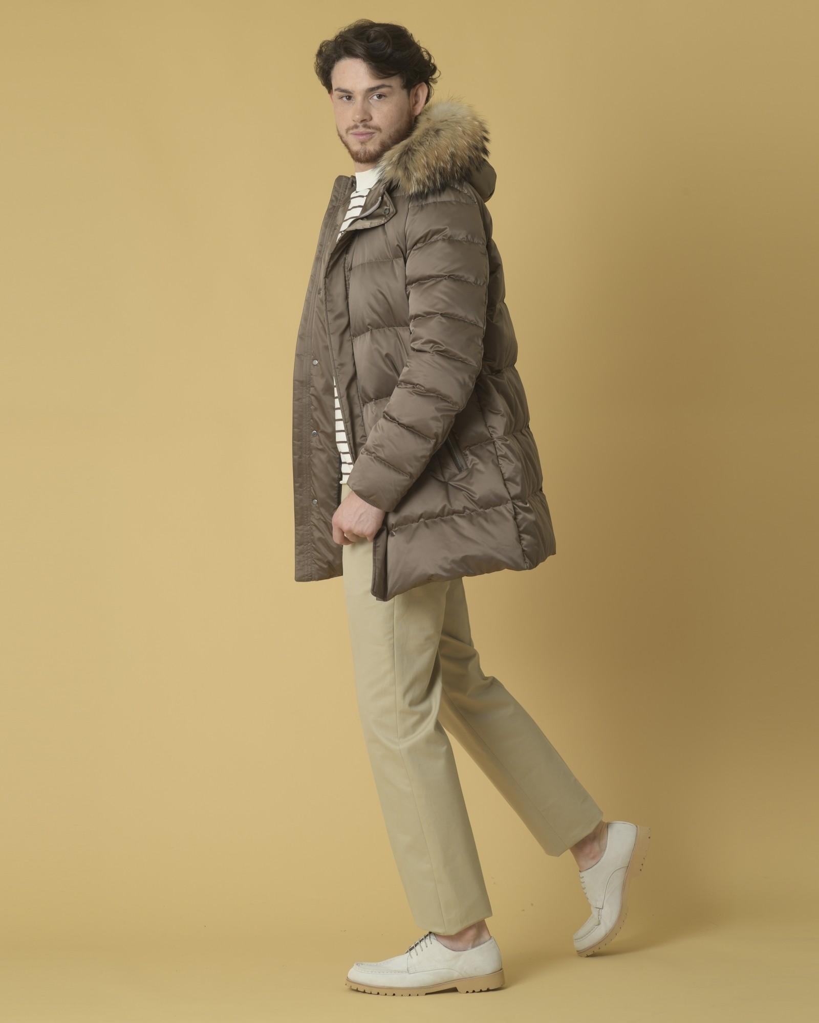Manteau en tissu technique et capuche à fourrure Manzoni 24