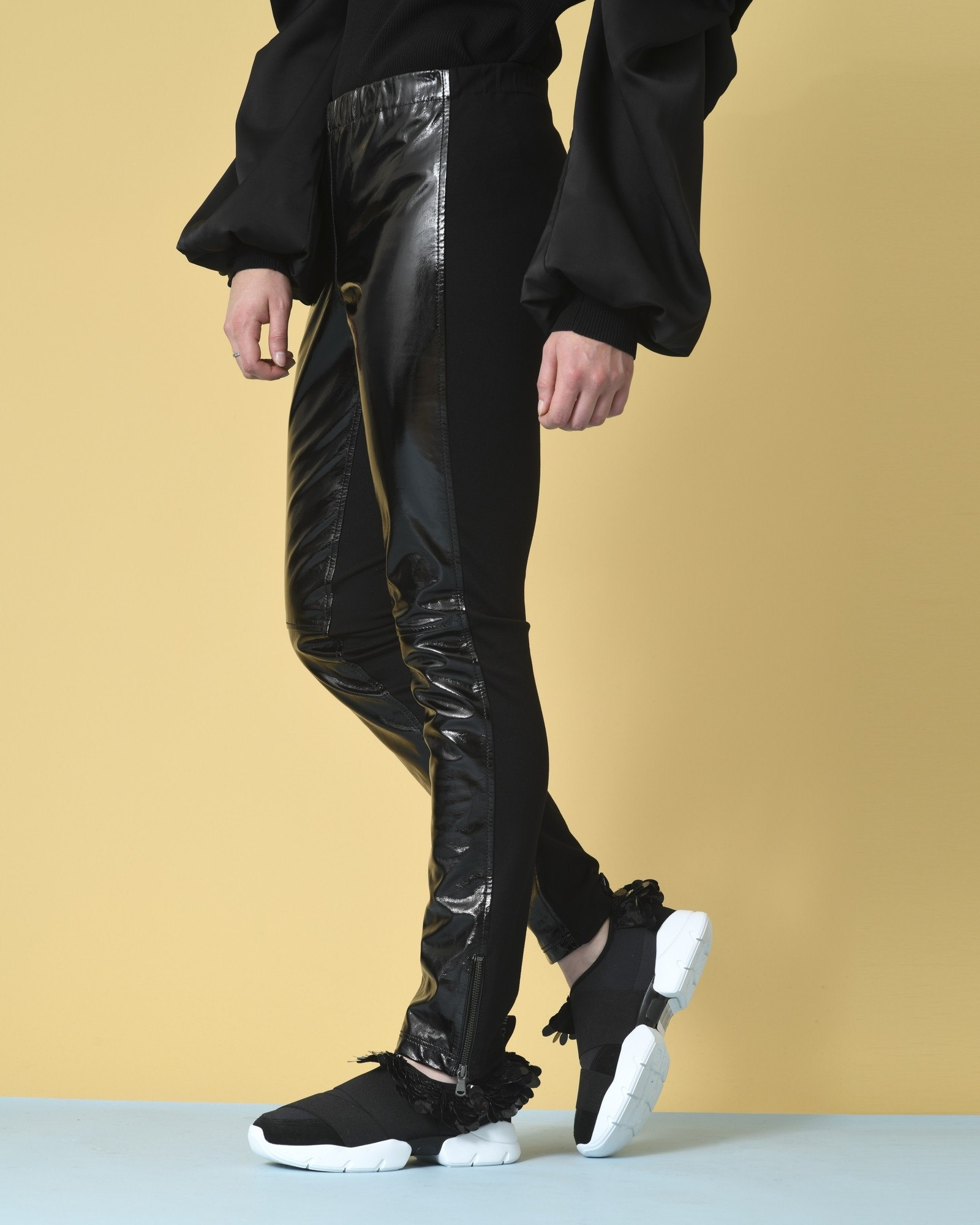 Pantalon bi-matière en cuir...