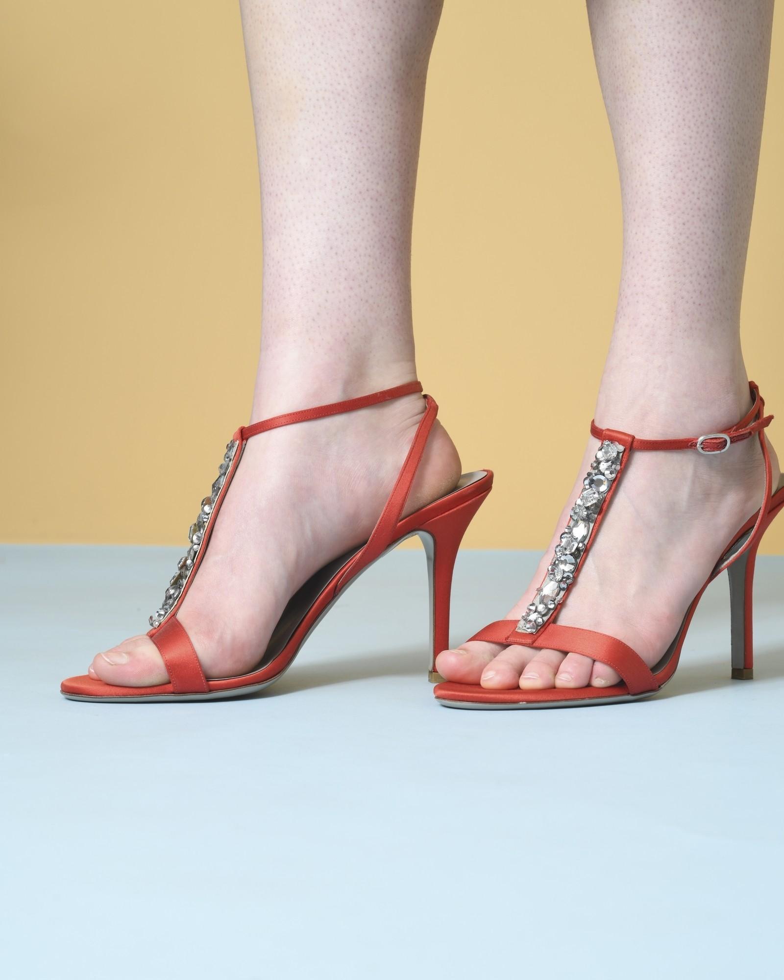 Sandales à brides en satin à cristaux Valentino