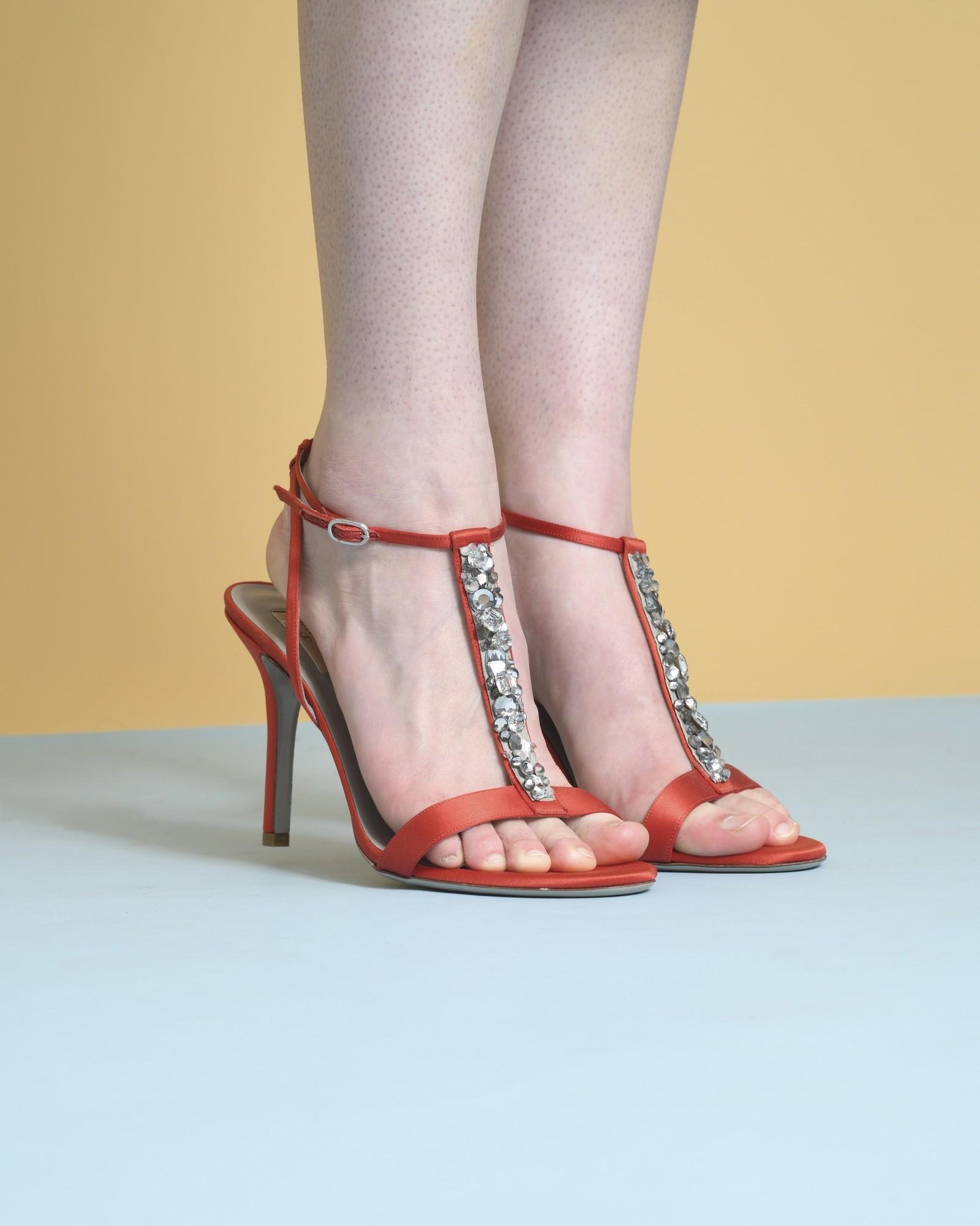 Sandales à brides en satin...
