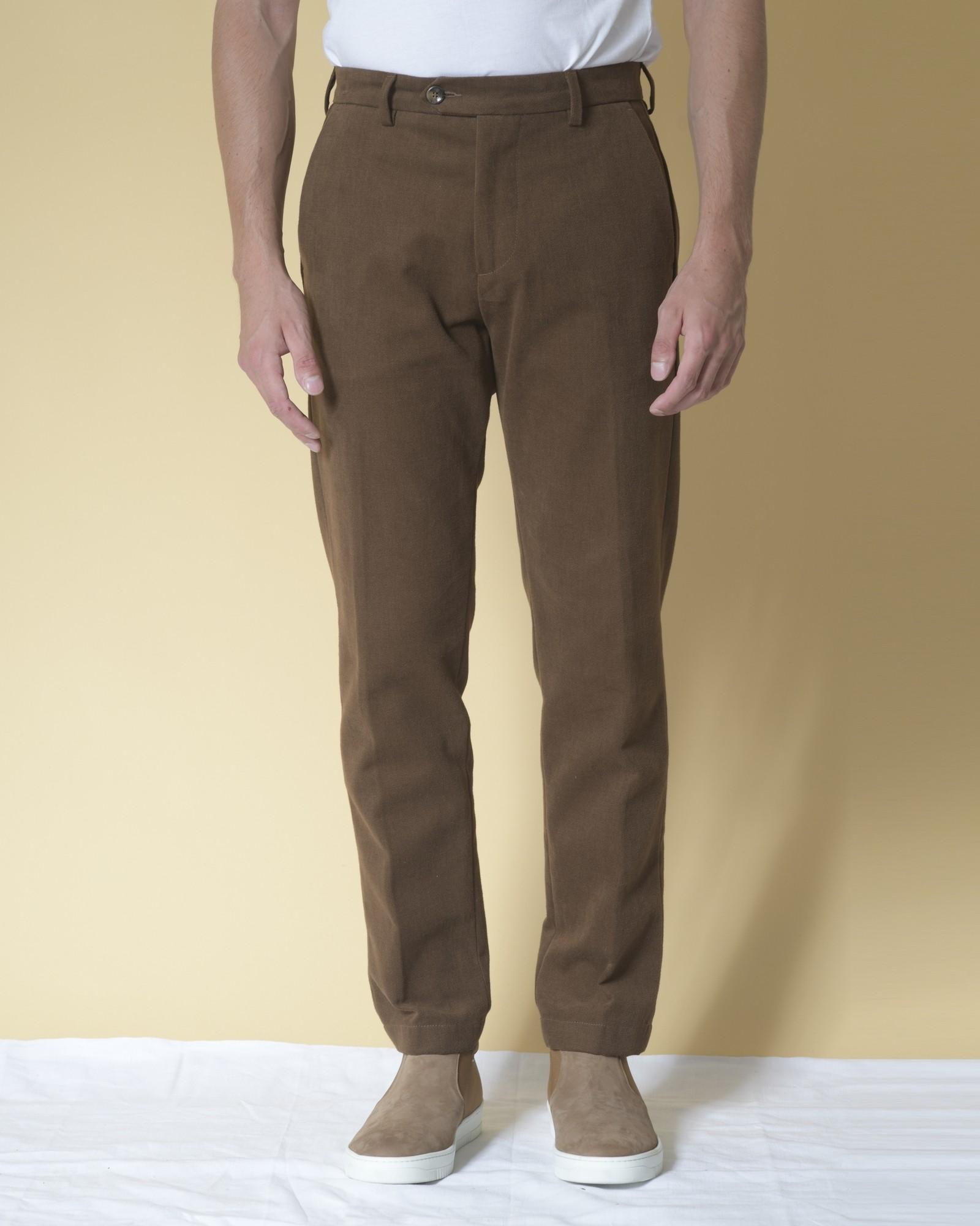 Pantalon droit en gabardine...