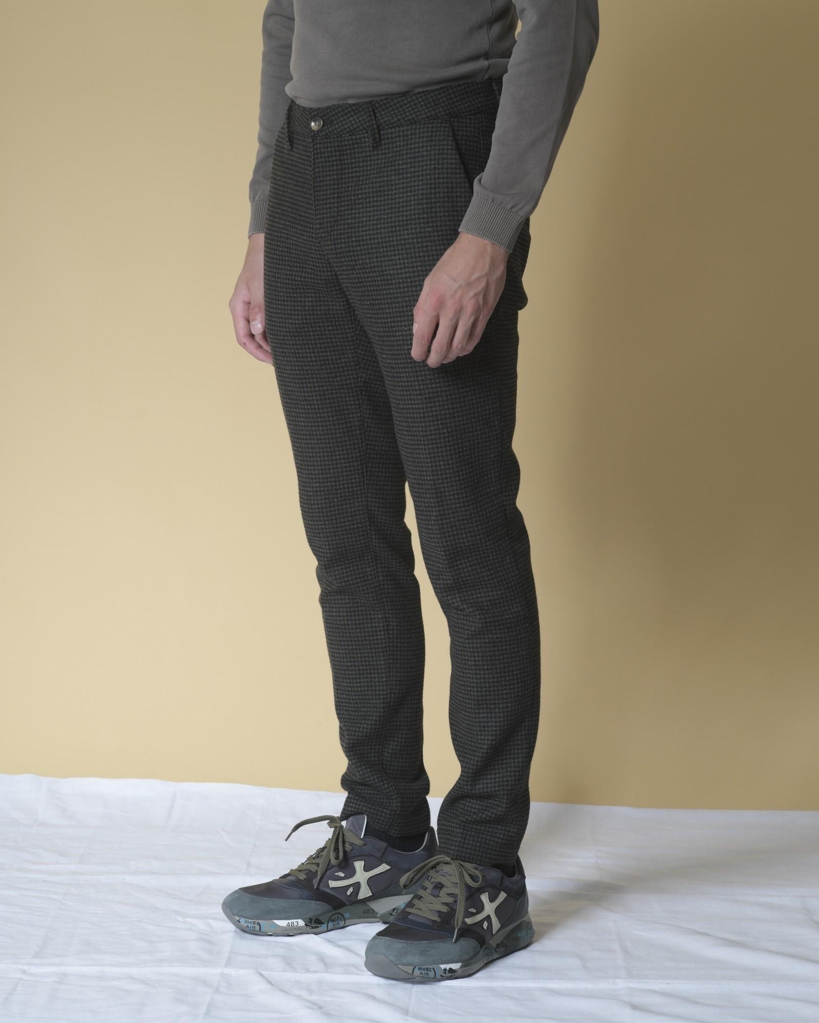 Pantalon en laine mélangée à motifs pied-de-poule Cruna