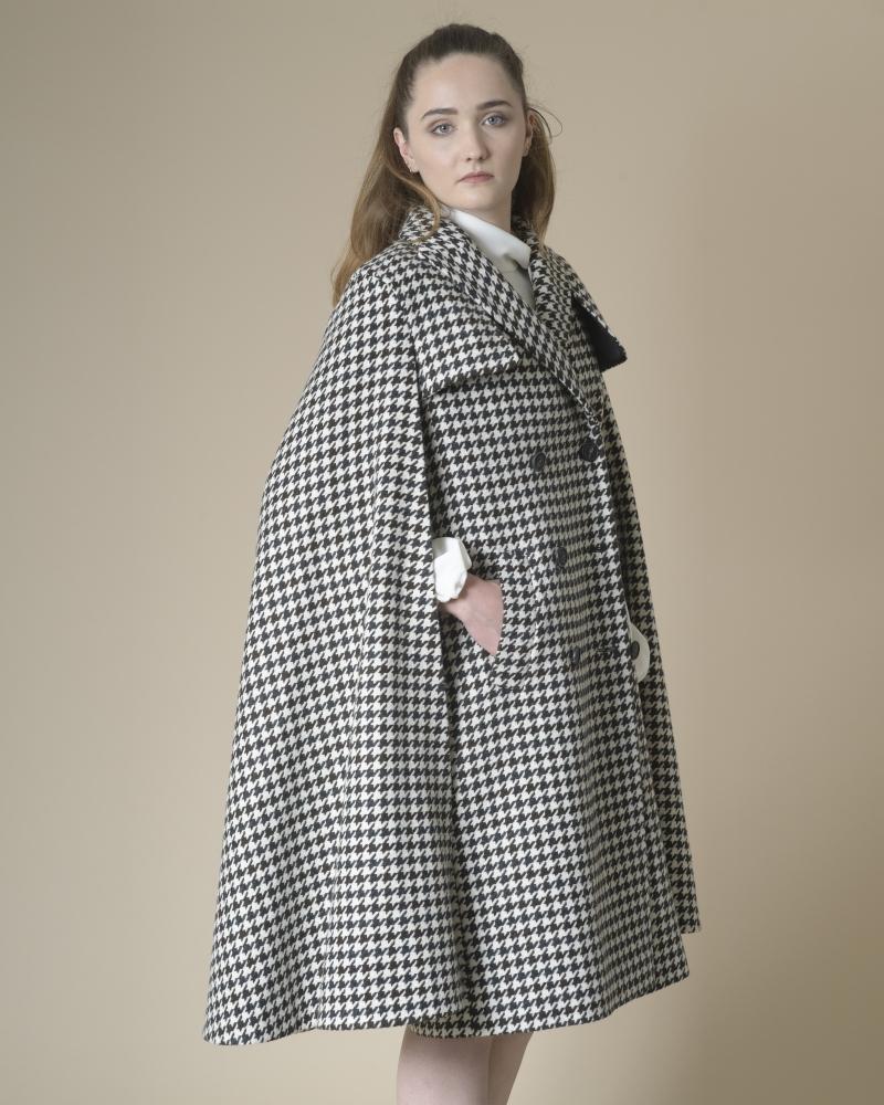 Manteau cape en laine...