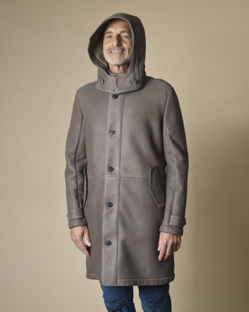 Manteau à capuche en peau...