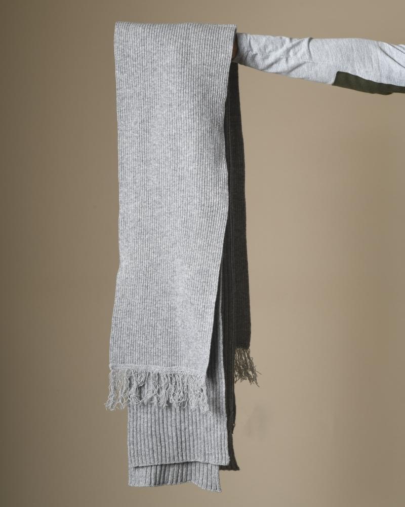 Echarpe en laine mélangé...